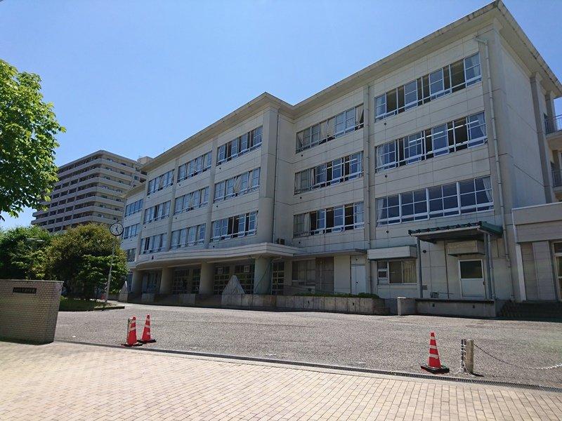 宮浦中学校まで約640m