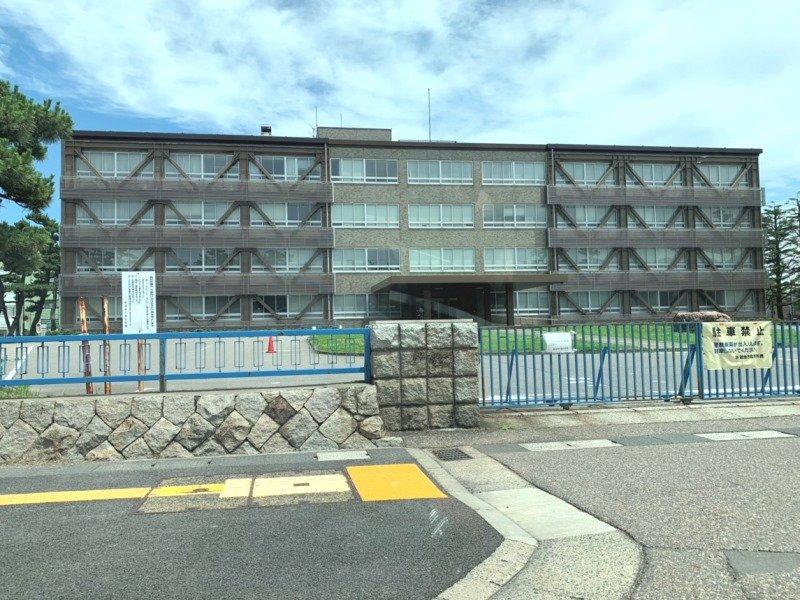 新潟地方裁判所まで約500m