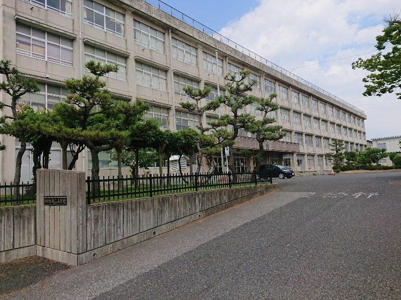 桃山小学校 約980m