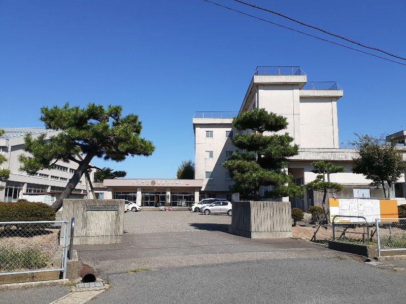 曽野木中学校まで約670m